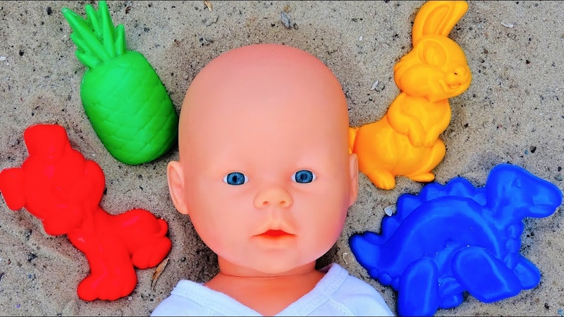 Polina Playing Learning Colors with Sand Molds Top Video By Super Polina