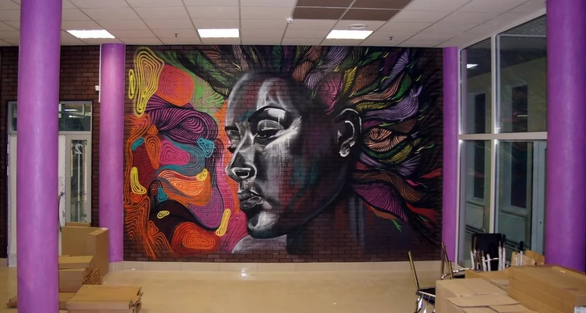 Знает кто-нибудь художника в Дубне, который может сделать рисунок/граффити во всю стену, желательно с примерами сделанных работ?