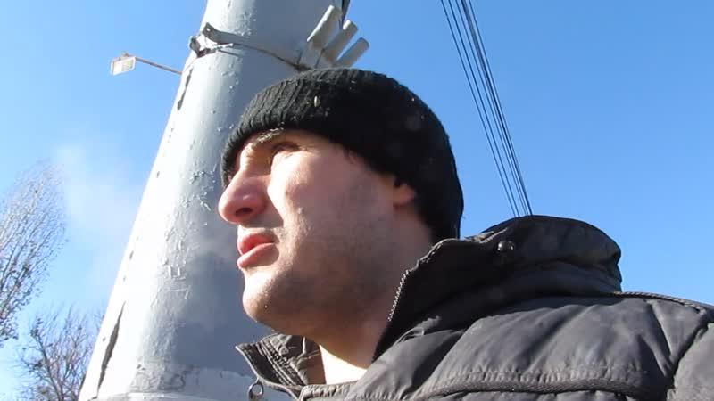 Эльдар Богунов идет пешком в магазин и злиться что так дешево принимают железо и картон!