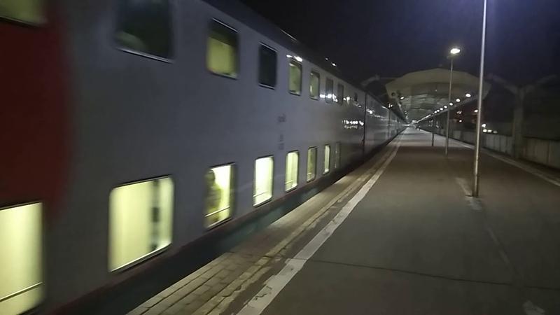 ЧС200-010 с двухэтажным поездом 006 Москва - Санкт-Петербург