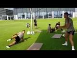 Dybala и Cristiano Ronaldo на тренировке за Juventus