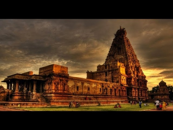 The 5 Most Amazing Mysteries of Hindu Temples in India
