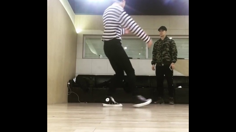 Yugyeom freestyle feat. Wang Jackson Lim JB. 💘cute