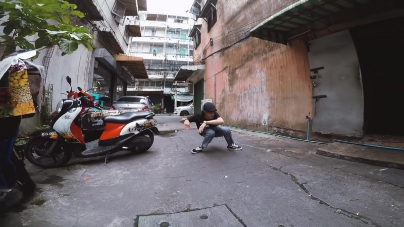 Ian Eastwood Freestyle in Bangkok Thailand _ Tuxedo Groove - Tuxedo (Prod by_ Jake One)
