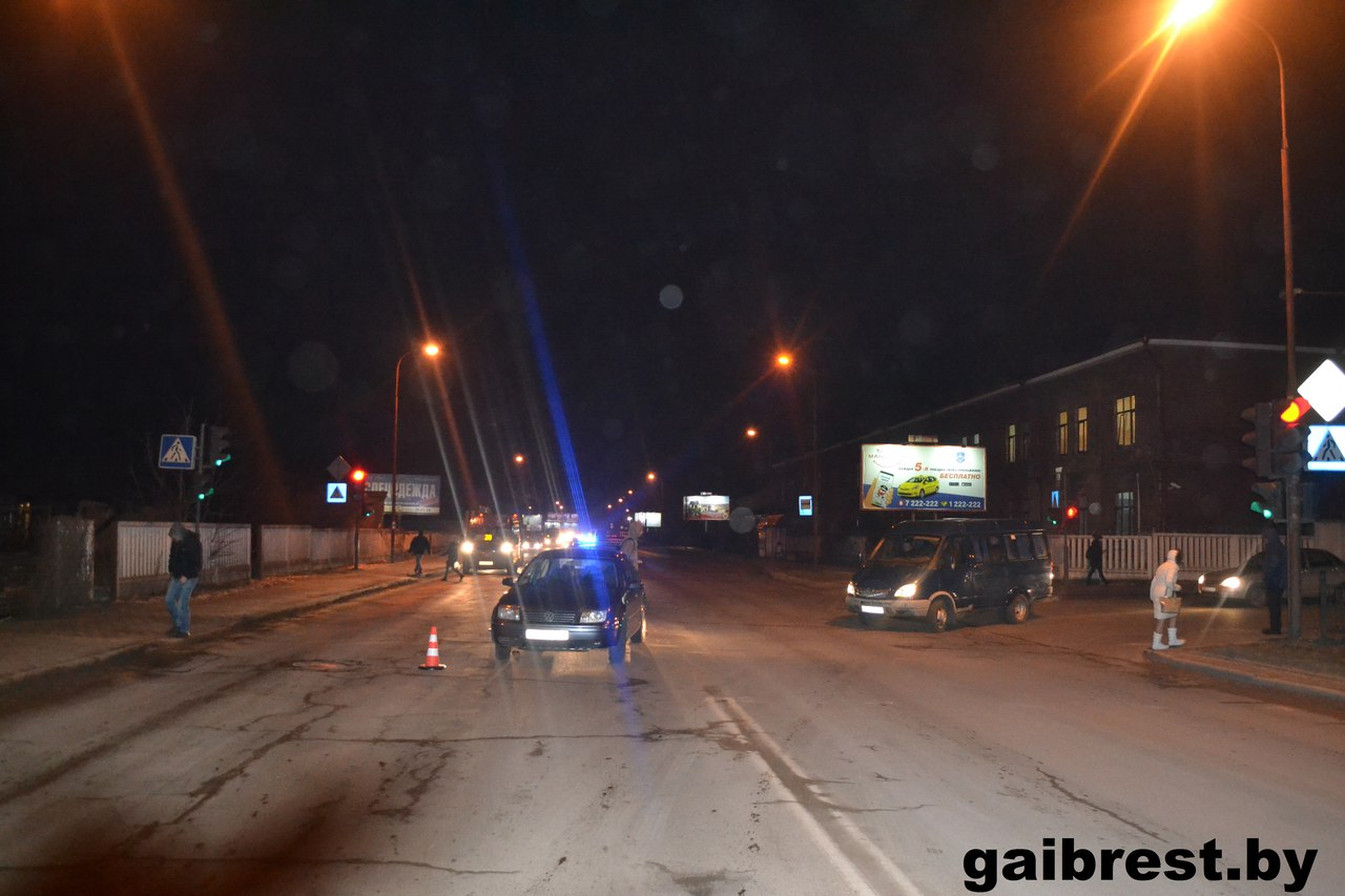 Автомобиль в Бресте сбил 11-летнего ребенка на переходе