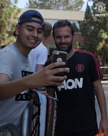 """Manchester United on Instagram: """"Great to be back in LA to kick-start MUTOUR... 💪💯MUFC • Don't miss our five MUTOUR games! Watch the Reds live a..."""