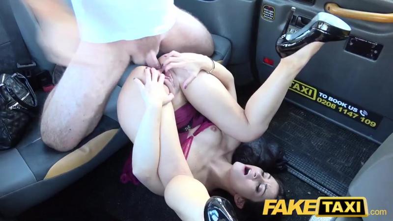 Самое красивое порно такси пару минут