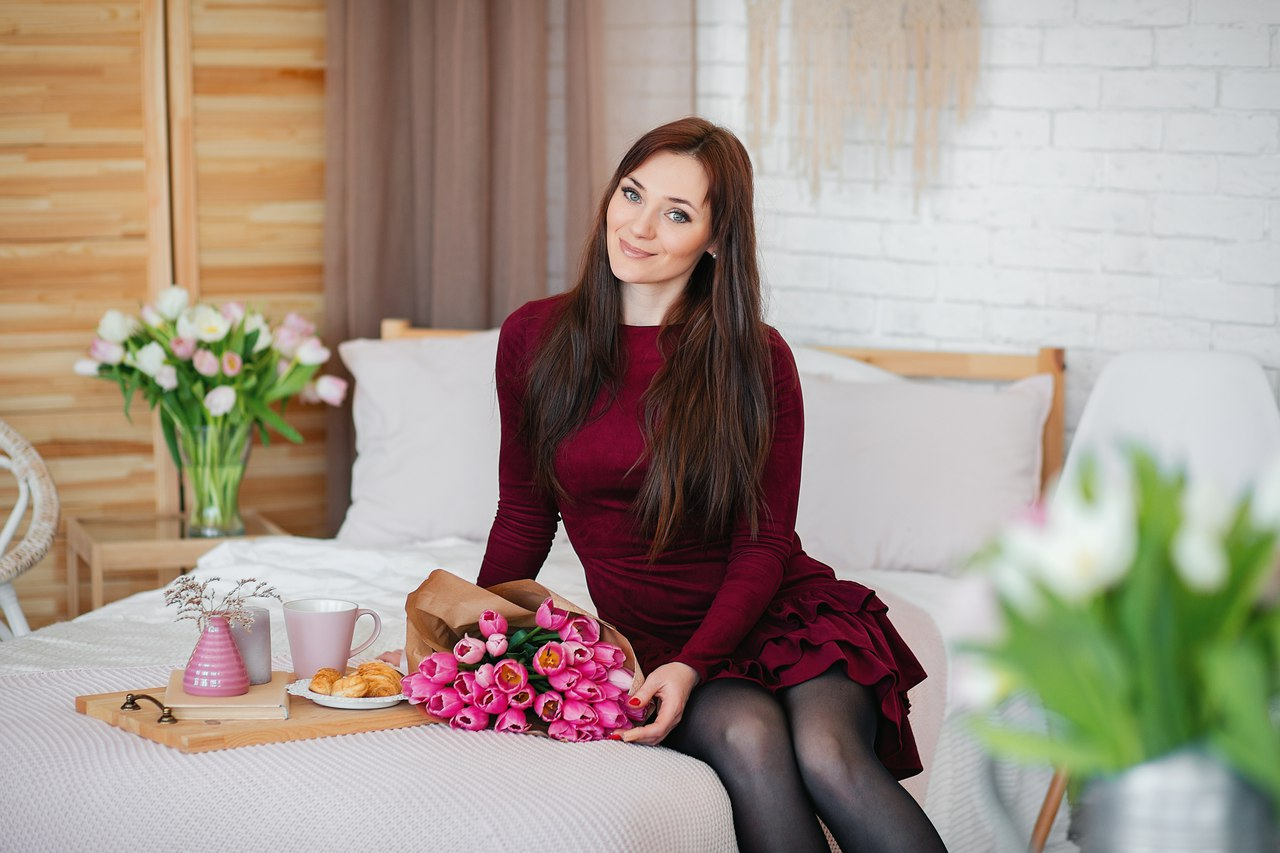 С днем рождения Яна Алхимова! Желаю счастья, здоровья и успехов в делах!