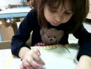Анечке 3 года, она знает все буквы, и ещё не умеет читать, но уже очень любит заниматься чтением - это интерес к чтению.