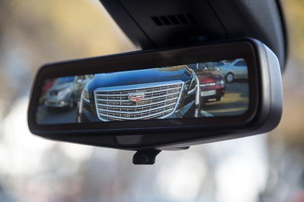 Зона комфорта Cadillac XT5. Главные фишки самого недооцененного в России премиального кроссовера. Cadillac XT5 уже два года продается в России. У него яркая внешность и привлекательная цена, но