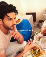 "QAYAMAT KI RAAT- Star Plus💫 on Instagram: ""If I'm not wrong this is his revenge for her recording him eating 😂❤️ my cuties. @vivekdahiya @karishma..."