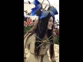 Лана Дель Рей на красной ковровой дорожке Met Gala 2018