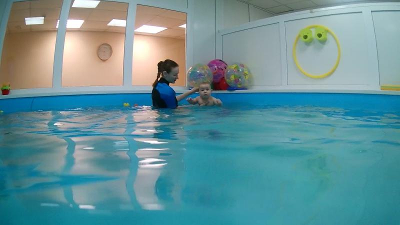 Марк, 8 месяцев. Детский оздоровительный центр плавания г.Абакан, ул.Торговая 2А «Купелька» тел.8(3902) 202-102.