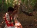 Подросток трахает Сару Мишель Геллар (Баффи) в лесу (секс Баффи, ебет Сару Минель Геллар, порно)
