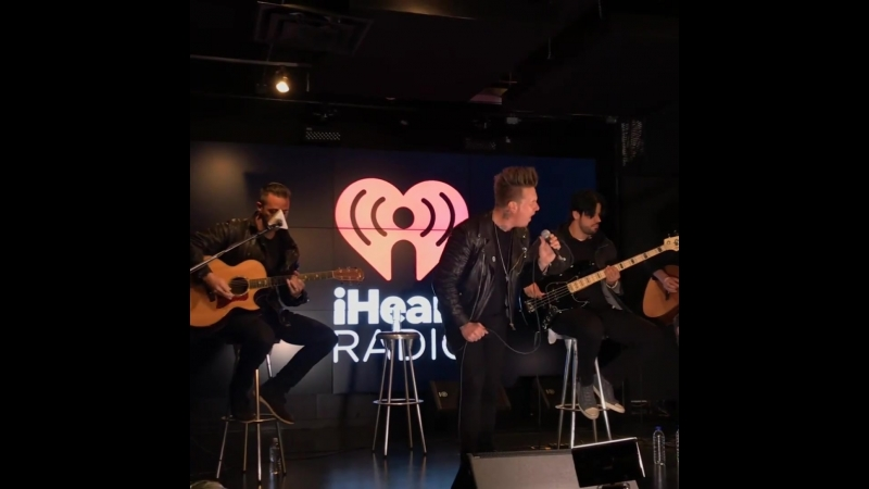 Played Periscope acoustic for the 1st time for iHeartRadio Canada - français yesterday!