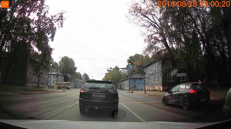 Как же бесят товарищи водители, стоящие в левом ряду и включающие поворотник в последний момент!!
