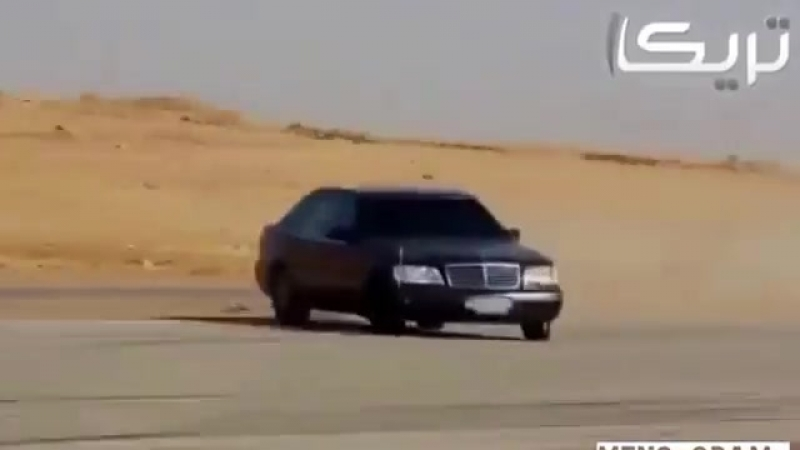 Вот что творят арабы на s600 кабан, 200 кмч валят бочком