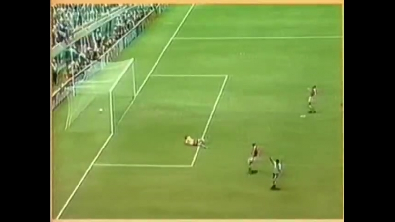 ЧМ-1986. Жан Тигана (Франция) - мяч в ворота Венгрии