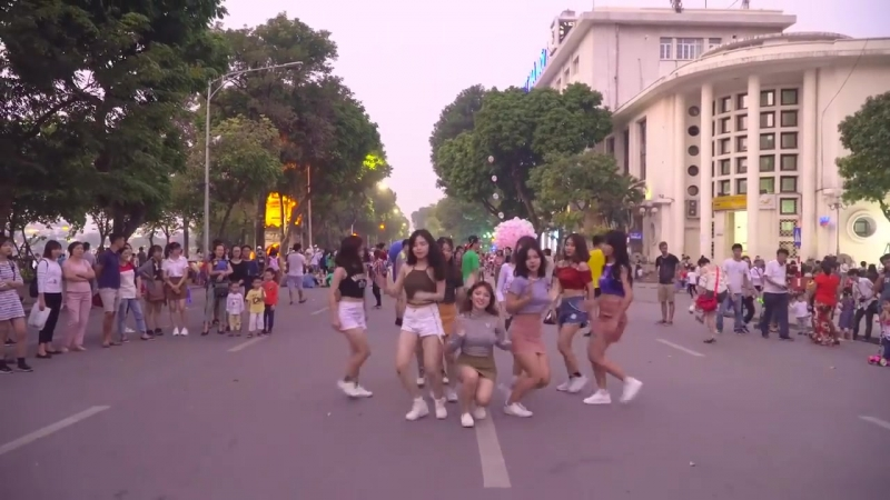 [KPOP IN PUBLIC CHALLENGE] TWICE(트와이스) LIKEY Dance Cover By B-Wild From Vietnam