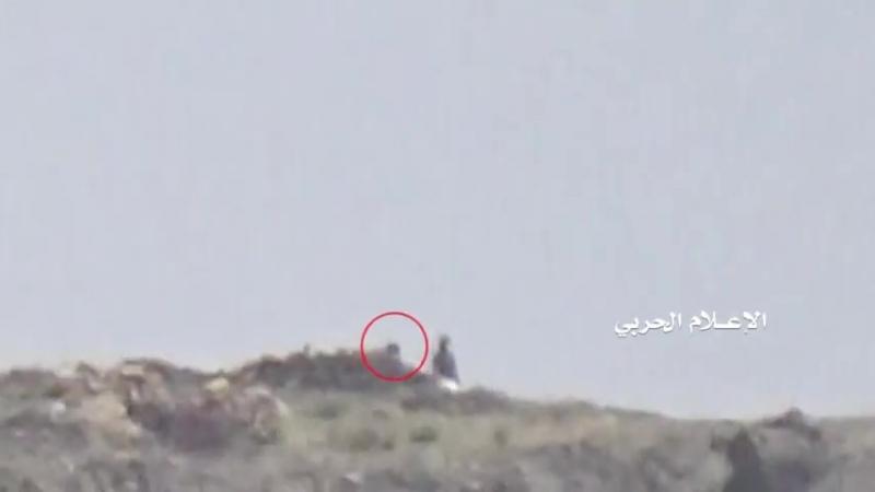 Снайпер хуситов подстрелил хадиста в Нихме.
