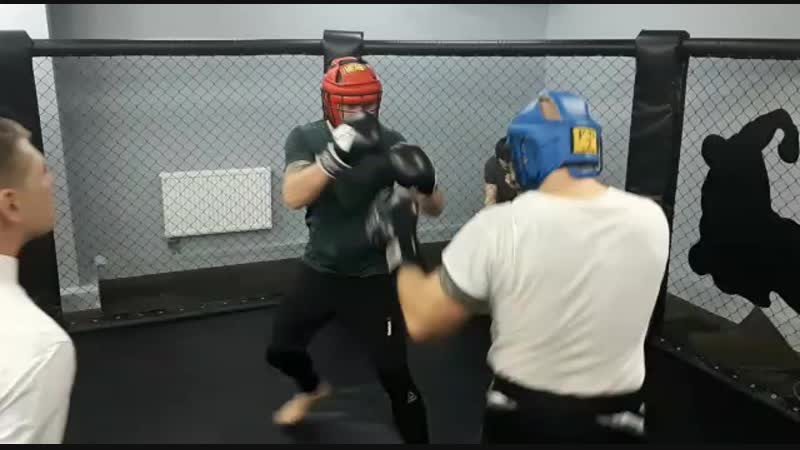 Турнир по боксу в клубе Алмаz 1 раунд