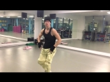 GAZIROVKA - Black - официальный танец (танцы в твоей кровати) (online-video-cutter.com)