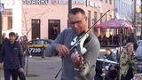 Шикарный скрипач! Мог бы сыграть с Ванессой Мей! Music!