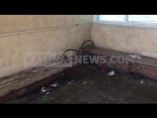 Малолетки устроили помойку в подземном переходе на Гагарина