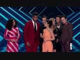 Каст получает приз за премию Лучшее шоу 2018 года.