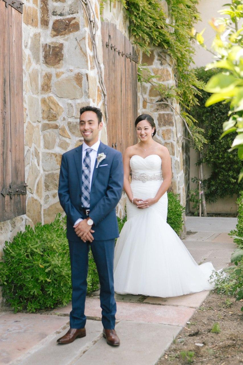 5ieJSL8p8kk - Трогательный образ для мамы жениха и невесты