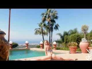 Alecia Fox have fun and stretching in Sunny Spain