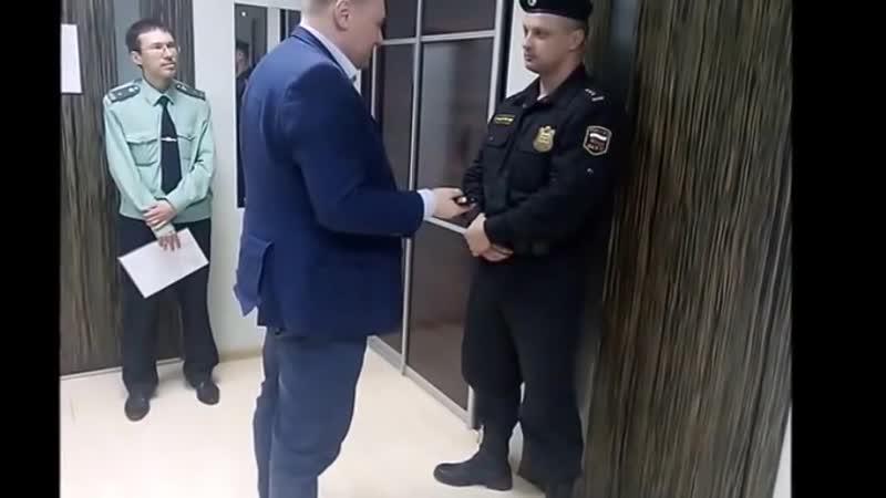 Юрист Антон Долгих пришёл на приём к главному судебному приставу