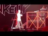 Machine Gun Kelly исполняет дисс на Эминема «Rap Devil» (оригинальное видео)