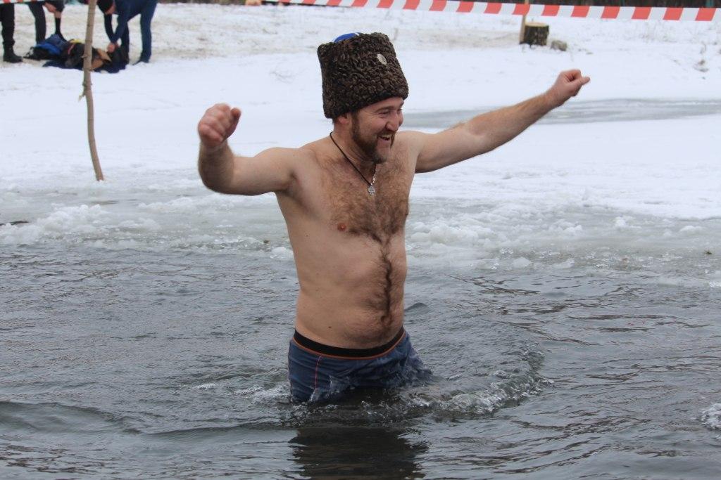 Казаки стали центральными фигурами праздника на Крещение в Луганске