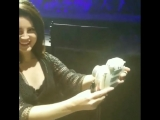 Лана делает селфи на Polaroid (Live @ «LA To The Moon Tour»: «Talking Stick Resort Arena»)