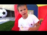 ДЕЛЯТ ПИЩУ МИСС КЕЙТИ и МИСТЕР МАКС - Кто виноват в этом Детском Новом Видео про Еду?