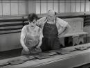 Чарли Чаплин - шоколадная фабрика .