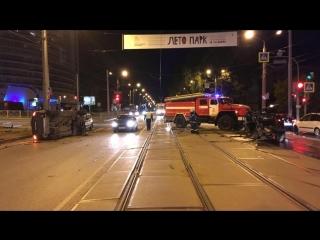 В Перми пьяный водитель Porsche Cayenne устроил аварию