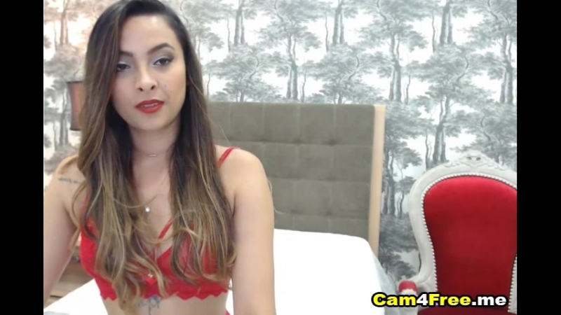 Hot looking babe live on cam
