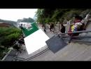 Спуск по самой безумной в мире трассе для паркура