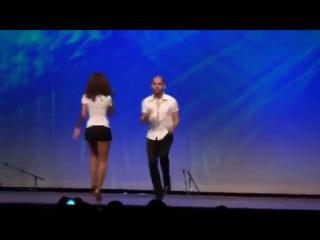 Очень чувсвенный танец! Сальса бачата Ataca Jorgie Jorge Burgos y La Alemana Tan