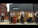 Джазовый концерт на маркете 4 сезона