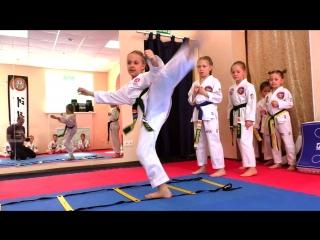 Тхэквондо для мальчиков и девочек в Школе боевых искусств Анатолия Чиканчи