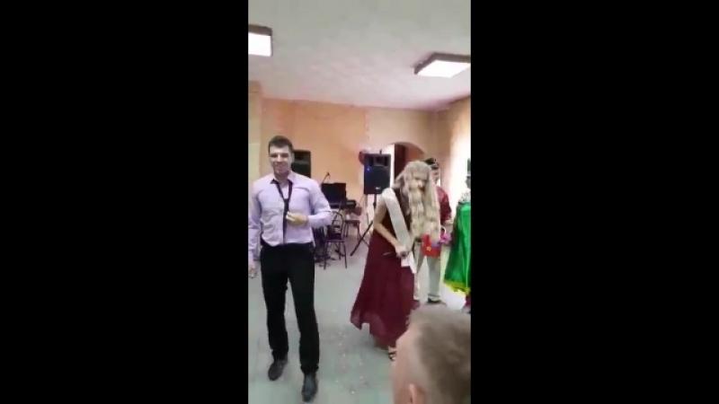 Подружка невесты поет на свадьбе Студия звукозаписи A E RecordS 7 983 544 74 98