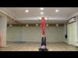 Акройога. Задание от Yoga Slackers, дополненное скрестным шагом в Foot-t-Foot.