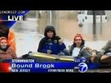 Рискуя собственной жизнью мы ведём свой репортаж с затопленных районов города, все дома находятся под водой...