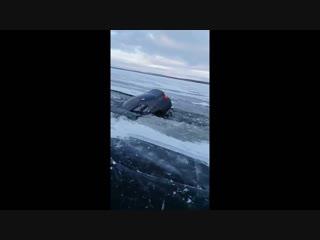 Нетрезвый водитель утопил машину