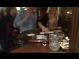 Покер с американской девчулей. Not quenn, not quenn... ))