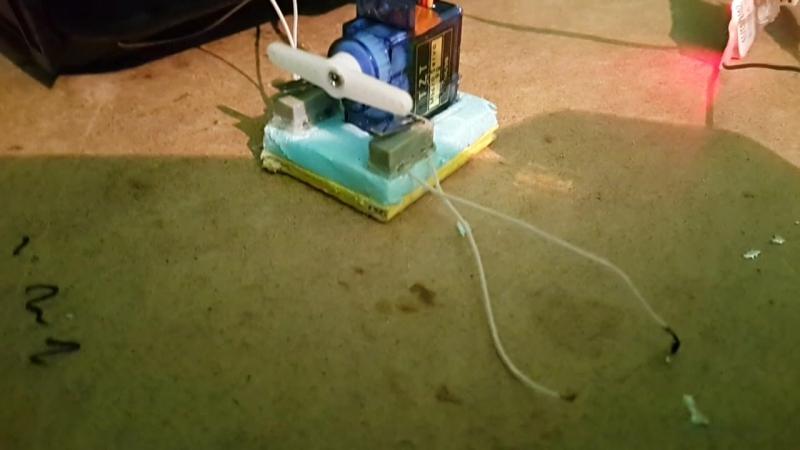Устройство удаленного управления пиротехникой для авиамодели