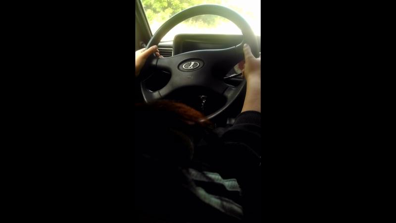 Водим🌚 машину 😂😂